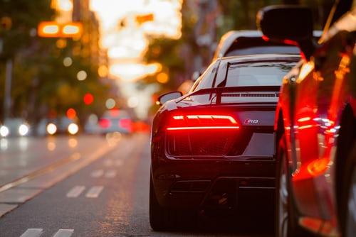 Jak szybko znaleźć pomoc drogową?